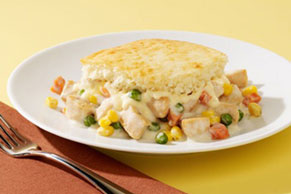 VELVEETA Cheesy Chicken Pot Pie Casserole