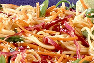 Salade orientale aux nouilles, miel et moutarde Image 1
