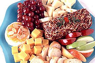 Plateau de fromage et de fruits pour dessert Image 1