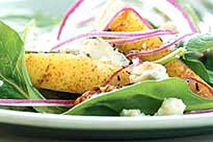 La salade d'épinards, de poires et de fromage bleu
