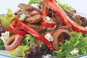 Salade chaude au bifteck et au fromage bleu