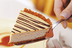 Cinnamon-Crusted Coffee Cheesecake Pie with Caramel Sauce