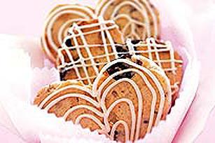 Biscotti au chocolat blanc et aux cerises en forme de cœur Image 1