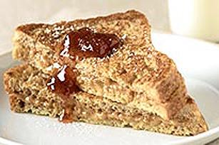 Pain doré au beurre d'arachide et à la confiture Image 1