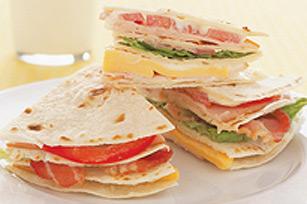 Pile de tortillas à la dinde et à la tomate