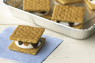 Crowd-Pleasing Peanut Butter S'mores