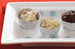 Rochers de chocolat blanc, fruits et noix