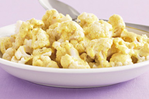 Cauliflower with Creamy Cucumber and Curry Sauce Image 1