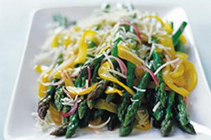 Sauté facile aux asperges, aux poivrons et aux oignons