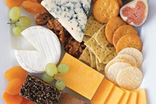 Fromages et pâté sur plateau