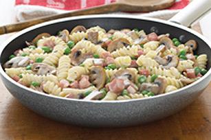 Poêlée de pâtes au jambon et au fromage Image 1