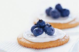 Blueberry Cracker Bites