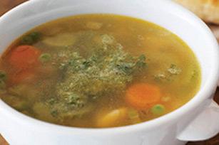 Soupe aux légumes avec pesto Image 1
