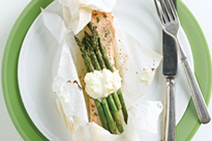 Dill Salmon and Asparagus En Papillotte