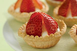 Tartelettes surprise à la crème et aux fraises