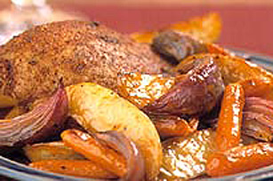 Souper de poulet rôti de la charcuterie avec légumes rôtis Image 1