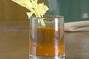 Boisson chaude et épicée à la tomate dans la mijoteuse Image 1
