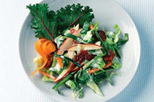 Salade de chou croquante aux courgettes et aux pommes Image 1