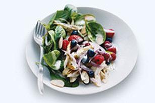 Salade d'épinards aux petit fruits et au poulet