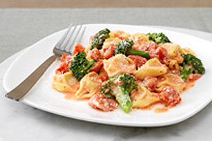 Creamy Tomato Tortellini Image 1