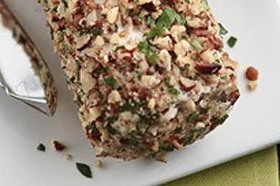 Bûche de fromage à la crème aux herbes et aux noix Image 1