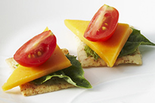 Canap s aux tomates et au fromage kraft canada for Canape au fromage
