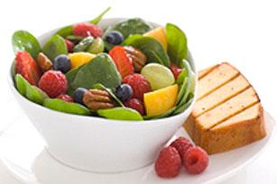 Salade fusion aux fruits et aux noix