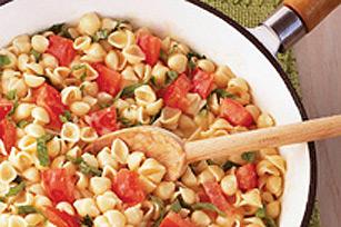 Coquilles aux tomates et au basilic