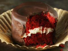 Red Velvet & Cream Chocolate Snack Cakes