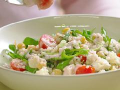 Salade au quinoa, à la roquette et aux pois chiches