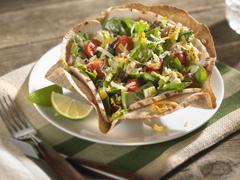 Salade taco au poulet grilléavec vinaigrette Campagne piquante