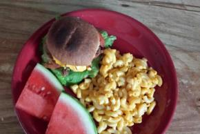 BBQ Cheeseburgers with Deluxe Macaroni & Cheese Dinner Image 2
