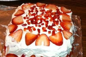 strawberry-swirl-cake-105214 Image 1