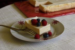 PHILADELPHIA New York-Style Sour Cream-Topped Cheesecake Image 2