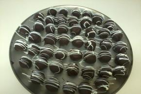 triple-chocolate-cookie-balls-129221 Image 1
