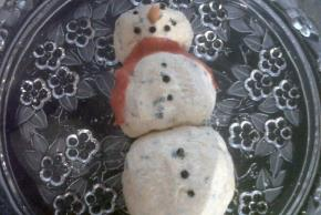 Snowman Cheese Ball Image 3