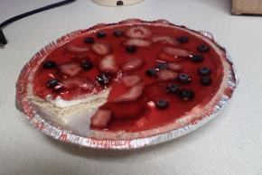 Summer Berry Cheesecake Pie Image 2