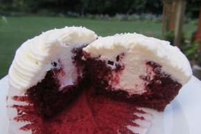Red Velvet Cupcakes Image 2