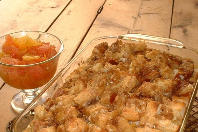weekend-brunch-french-toast-apple-casserole-425404 Image 1