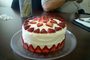 strawberry-swirl-cake-105214 Image 2