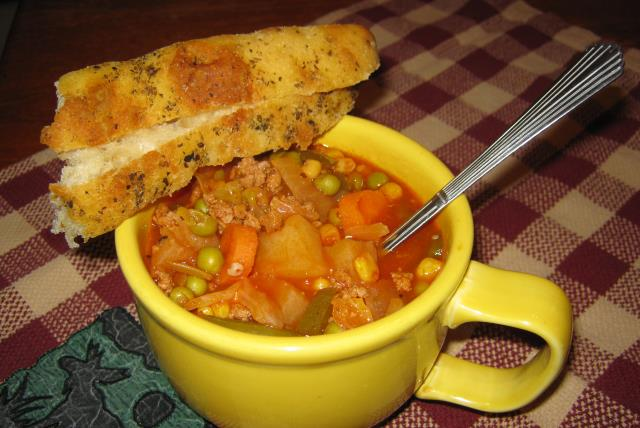 hearty-homemade-vegetable-soup-482526 Image 1