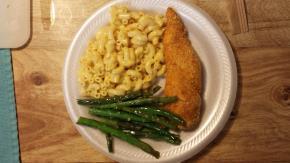 Crispy Chicken with Macaroni & Cheese Dinner Image 2