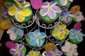 Flower Garden Cupcakes Image 2