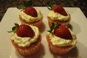 Angel Lush Cupcakes Image 2