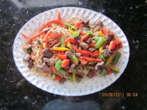 Beef & Noodles with Fresh Vegetables Image 2