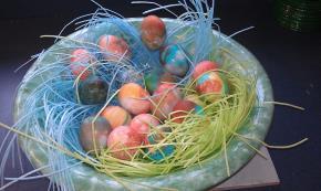 kool-aid-tie-dye-easter-eggs-143963 Image 1