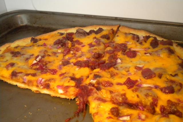 quick-easy-bbq-pork-pizza-479244 Image 1