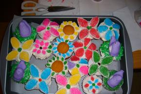 Flower Garden Cupcakes Image 3