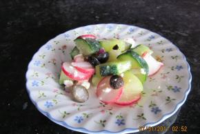 Crisp and Easy Cucumber Salad Image 2