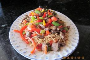 Beef & Noodles with Fresh Vegetables Image 3